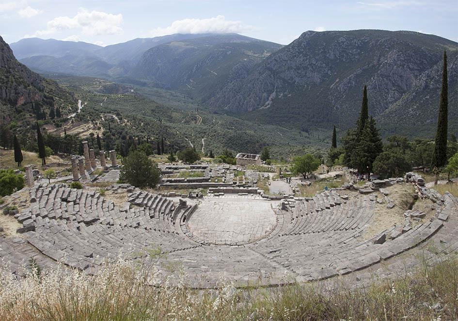 Delfi - Amphitheater - etwa 5000 Zuschauer konnten die musischen Darbietungen der pythischen Spiele sehen - Delfi