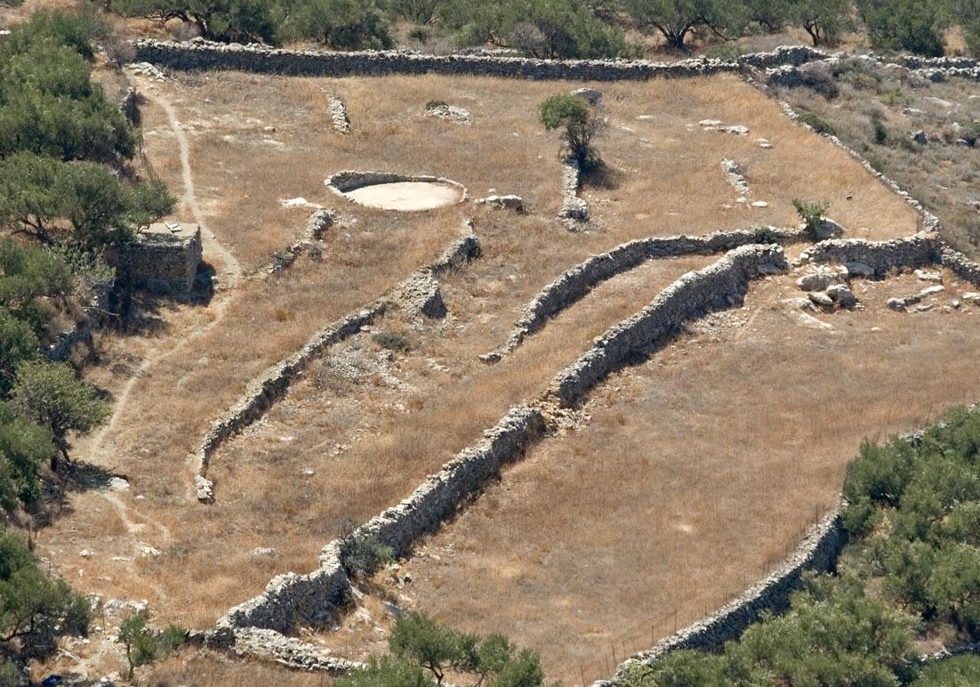 Amorgos  - Dreschplatz im Getreidefeld - Ursprüngliche Landwirtschaft - pristine landscape