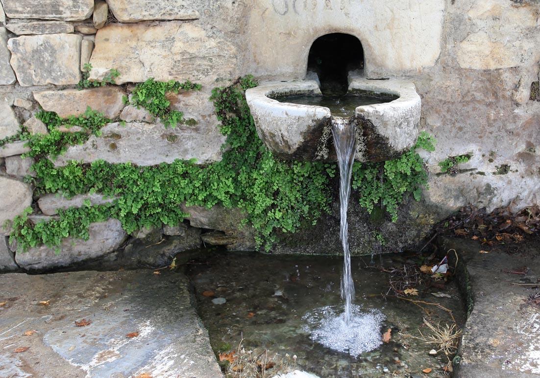 Naxos - Filoti - Quelle am Weg zum Zas - Naxos