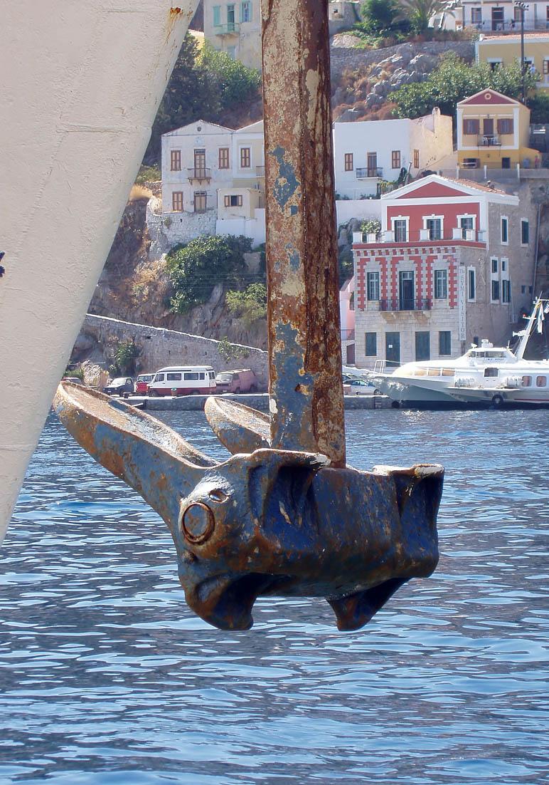 Anker lichten auf Symi (Gialos) -  - Hafen - port