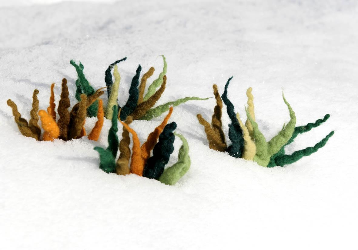Filzblüten im Schnee - www.kontaktil.com - Kontaktil